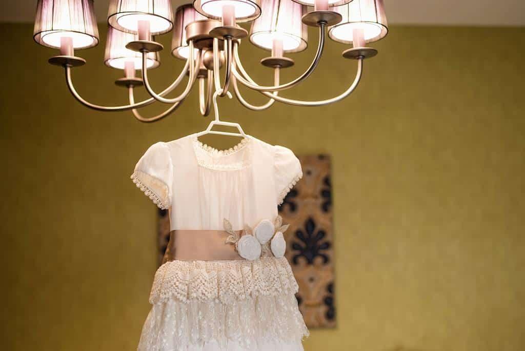 vestido en la lámpara
