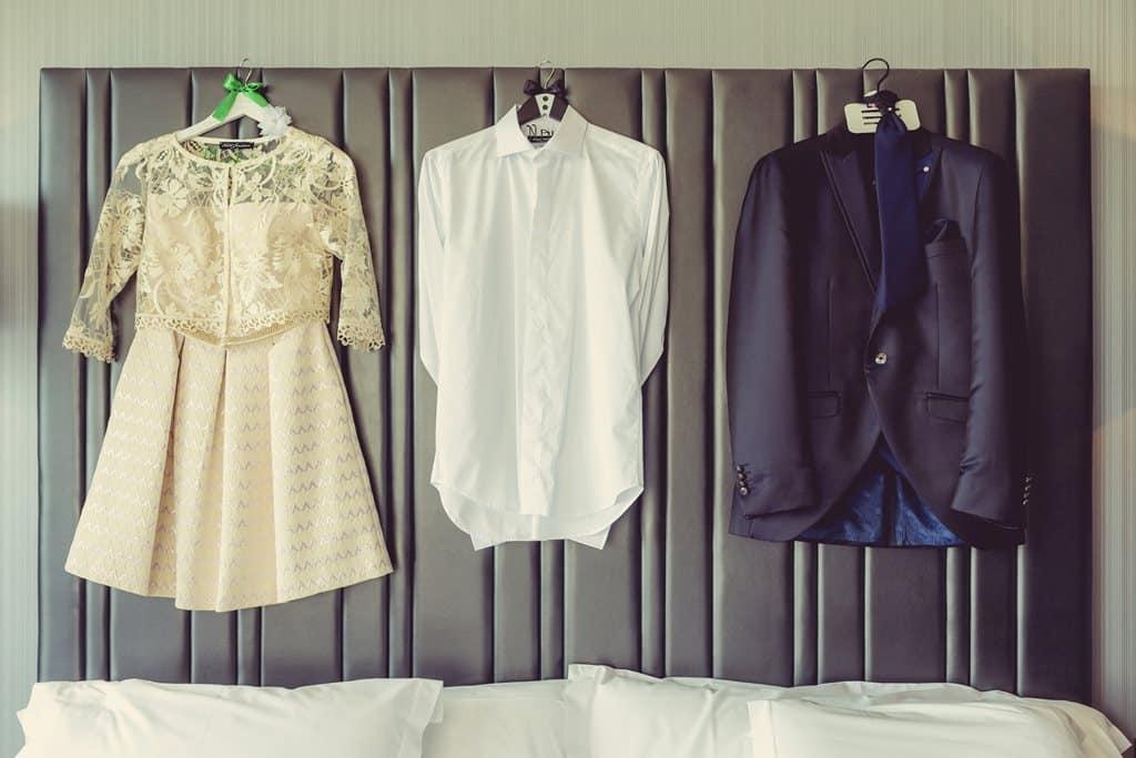 detalle traje y vestido