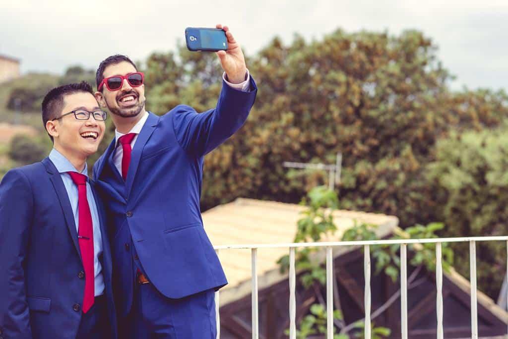 pareja gay selfie