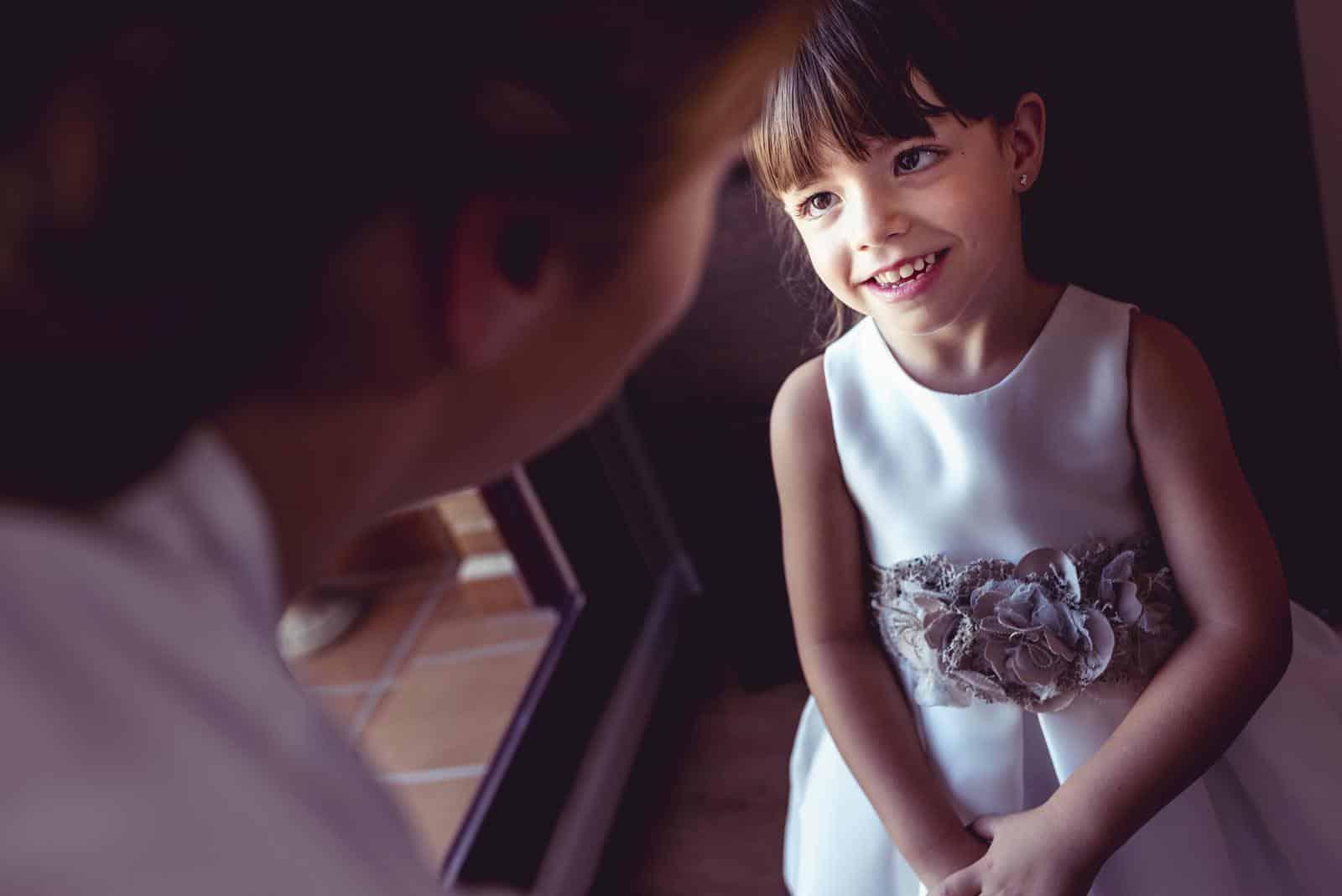 mirada de la niña