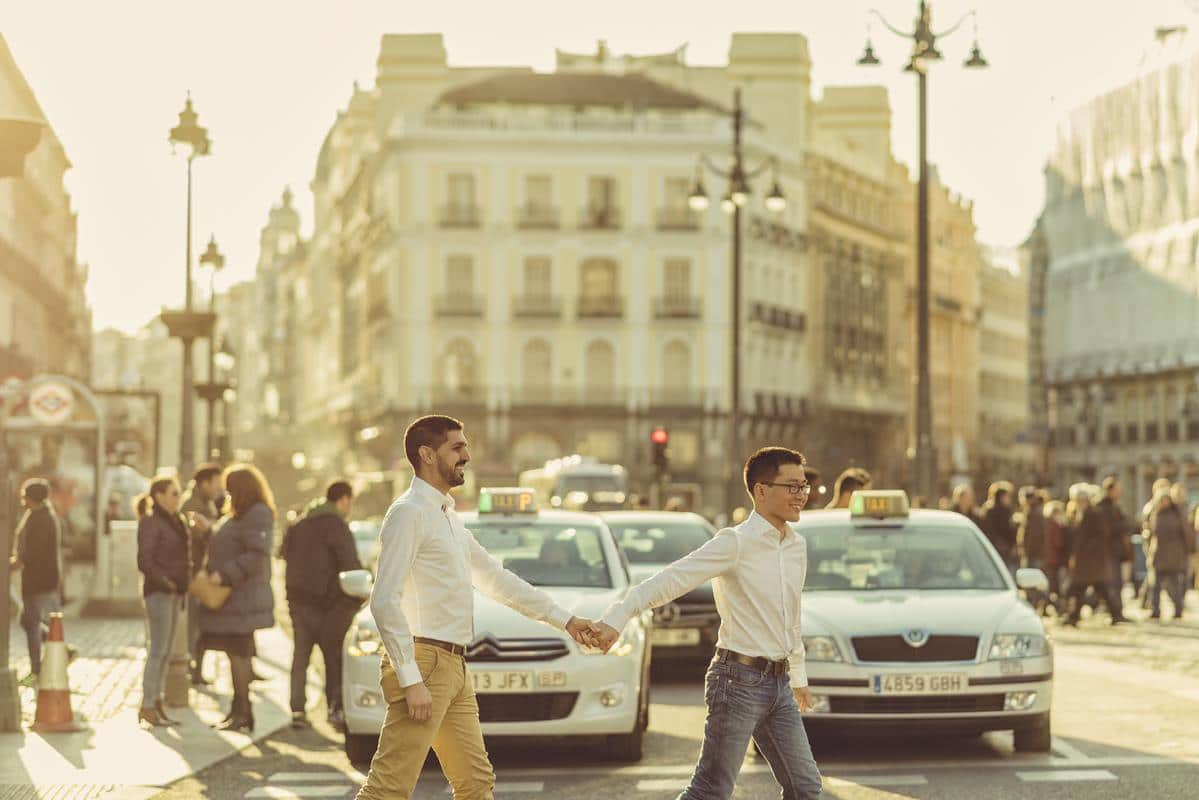 Preboda Madrid urbano - pareja gay