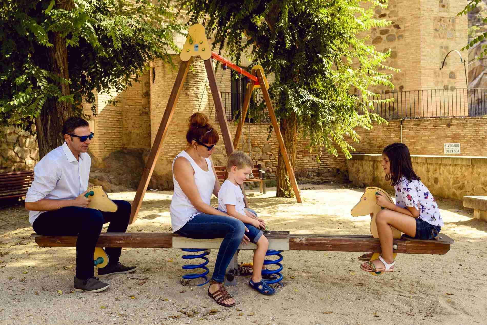 NIÑOS Y FAMILIA en Toledo