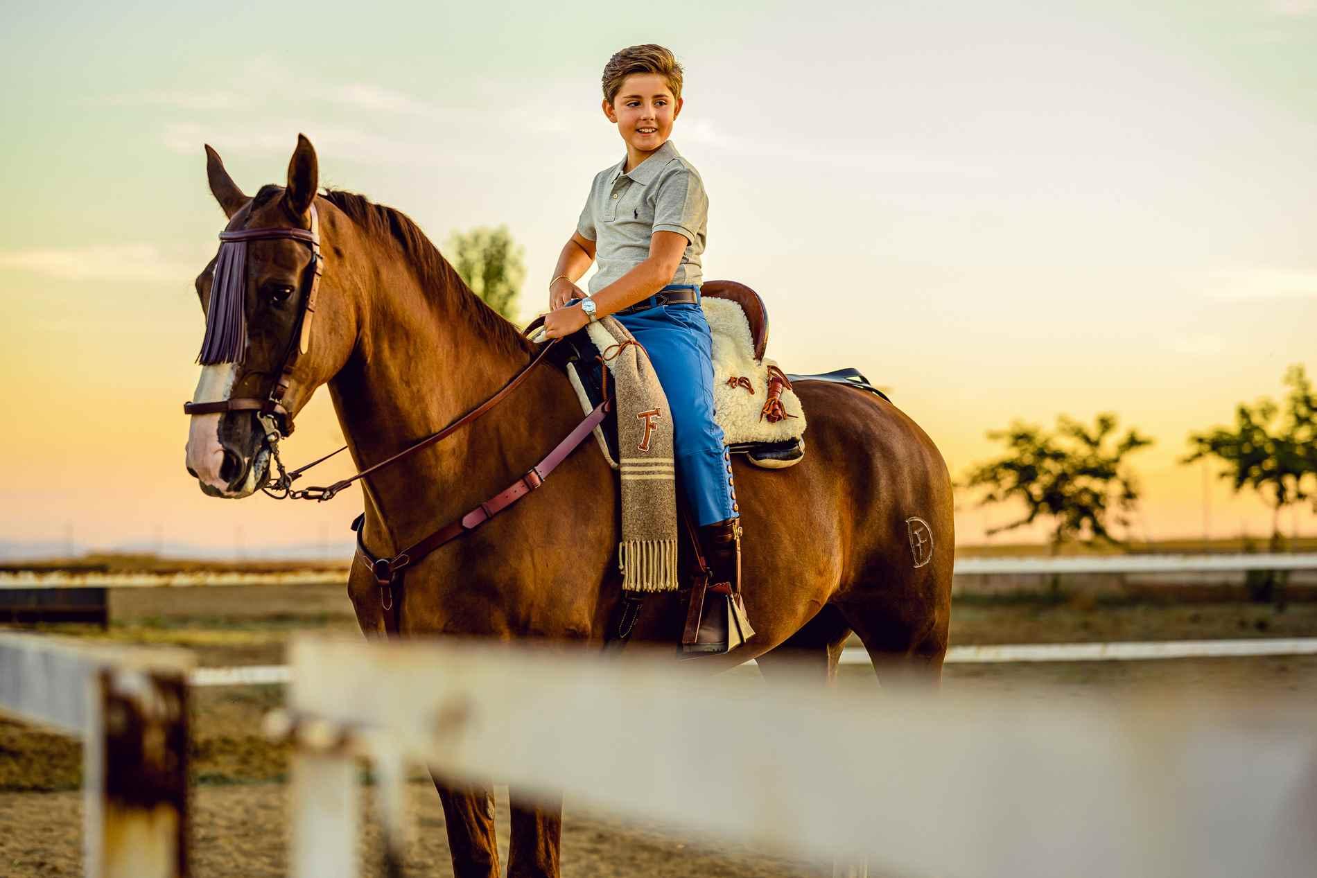 Fotógrafo de Comuniones en Toledo - niño con caballo